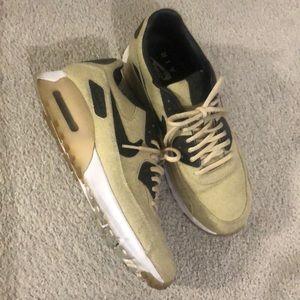 Nike Air Max size 10